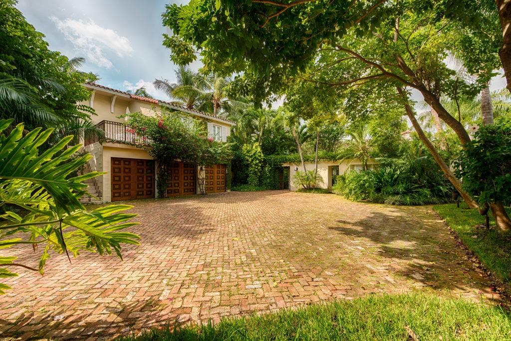 4880 Pinetree Dr. Miami Beach FL 33140 0020