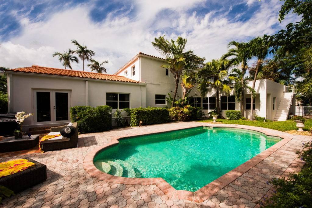 2861 Pinetree Dr Miami Beach 004