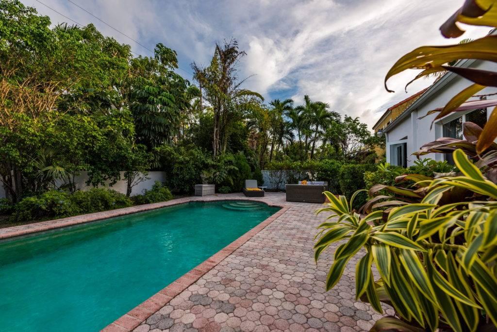 2861 Pinetree Dr Miami Beach 034