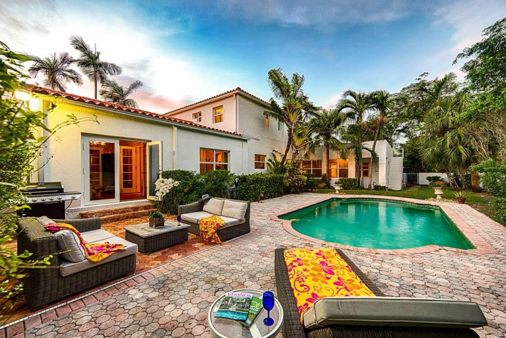 2861 Pinetree Dr Miami Beach 035