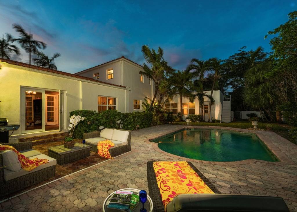2861 Pinetree Dr Miami Beach 036